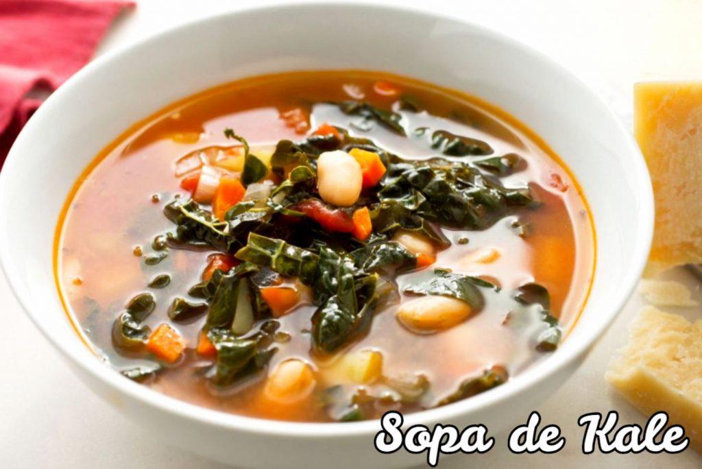 sopa de kale con frijoles